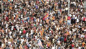 Ve Katalanlar meydanlara indi