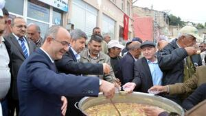Bünyan Belediyesi'nden vatandaşlara aşure ikramı