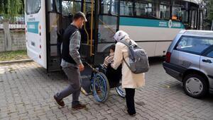 Liseli engelli Tuanaya özel halk otobüsü