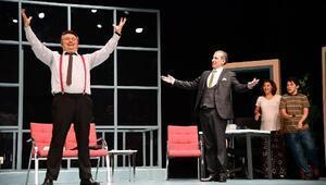 Adana Şehir Tiyatrosu Boyacı ile sezonu açtı