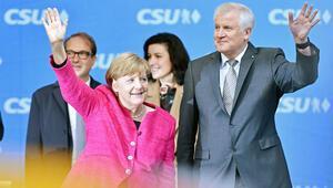 Merkel ile Seehofer pazar günü görüşecek
