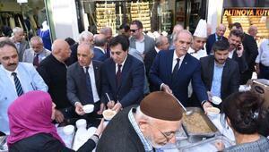 Aşure kazanları 10 bin Bursalıiçin kaynadı