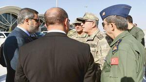 Komutanlar sınırda: 14 noktaya Mehmetçik