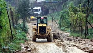 Güneysuda köyde sel paniği (2)