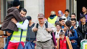 70 bin mülteci yakını Almanya'ya gelmeyi bekliyor