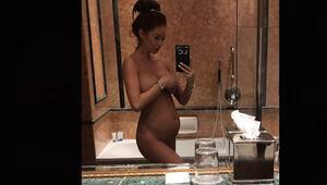 Hamile olduğunu bu fotoğrafla duyurdu