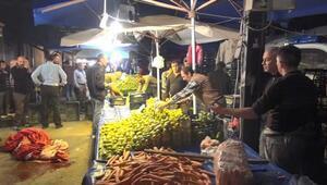 Emekli polis, mandalina tartışmasında 2 pazarcıyı vurdu
