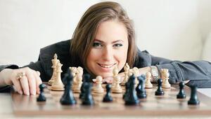 Tüm zamanların en büyük kadın satranç oyuncusu Judit Polgár... Dâhi doğmadı, dâhi oldu