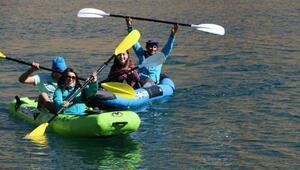 4 bin 135 rakımlı Cilo-Sat göllerinde kano gösterisi