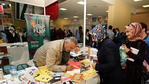 Kitap Fuarını ilk gün 50 bin kişi ziyaret etti