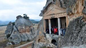 Anadolunun İkinci Kapadokyası: Frig Vadisi