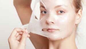 Dermatologların yüzlerine asla sürmeyecekleri 5 şey
