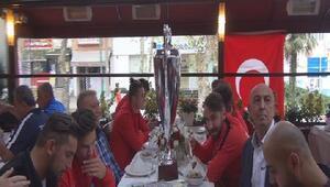 (ÖZEL) Avrupa Şampiyonu Ampute milli takım oyuncularından derbi yorumu