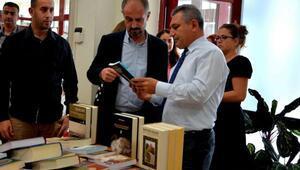 ÇOMÜ Kütüphanesine 1002 bin kitap bağışı