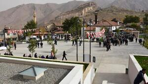 Divriğide yenilenen Cumhuriyet Meydanı törenle açıldı