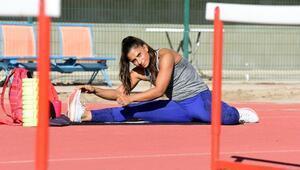 Milli atlet Nevin Yanıt Baltacı: Antrenörsüz çalışıyorum