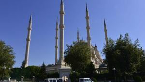 Sabancı Merkez Camiinde asılsız canlı bomba ihbarı / Ek fotoğraflar