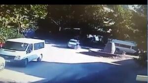 Otomobilin yayaya çarpması güvenlik kamerasına yansıdı