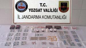 Köylerde cinsel uyarıcı hap satarken yakalandı