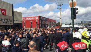 Bursada yol kapatan mahalleli polisin biber gazı sıkıp havaya ateş etmesiyle dağıldı - Ek fotoğraflar