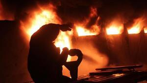 Karamandaki plastik fabrikasında çıkan yangın, 6 saatte söndürüldü