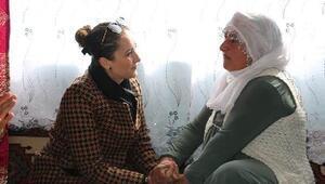 Kaymakamın eşi Ramazanın ailesini yalnız bırakmadı