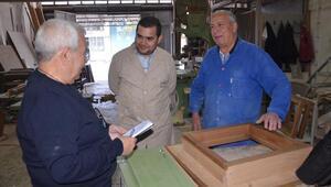 Akhisarlı marangoz ustasından tarihe katkı