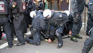 PKK yanlıları Almanyada polisle çatıştı Çok sayıda gözaltı var