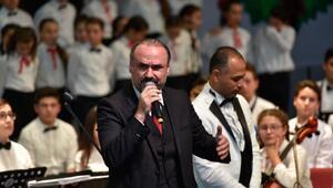 Tenor Hakan Aysev, konuk sanatçı