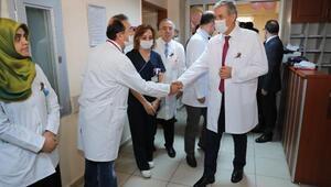 Sağlık Bakanı Demircan lösemili çocukları ziyaret etti