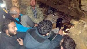 2 bin metrede mahsur kalan kampçıları belediye ekibi kurtardı