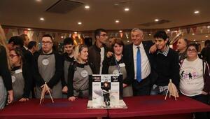Down sendromlu gençlerin işleteceği kafe Sarıyerde açıldı
