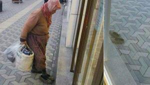 Sosyal medya bu görüntüyü konuşmuştu... Çamurlu ayakkabıyla bankaya girilmez diye çıkardım