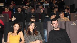 Sinemaseverler Yanlış Anlama filmini, oyuncularıyla Venezia Cinens'te izledi