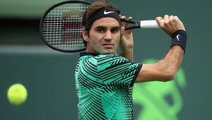 Federer Londrada yarı finalde