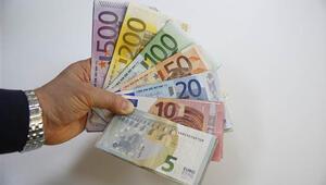 Euro yeni güne rekor tazeleyerek başladı