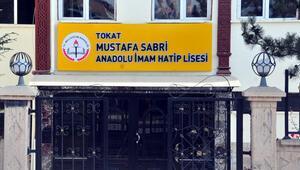 Atatürk düşmanının adı liseden kaldırıldı