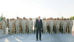 Katar'daki Türk üssünü ziyaret etti