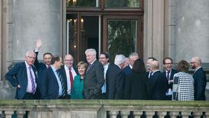 Parti temsilcileri son kez toplanıyor