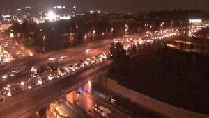 Edirnekapı metrobüs durağı yanında zincirleme kaza; 5 yaralı