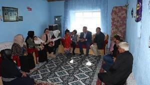Diyadinde ihtiyaç sahibi aileler ziyaret edildi