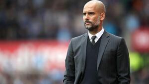 Premier Ligde ekim ayının teknik direktörü Guardiola seçildi Ayın futbolcusu ise...
