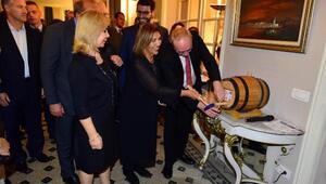İzmirde Beaujolais Nouveau kutlaması