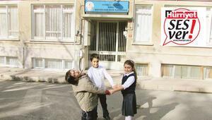Bir okulda üç öğrenci