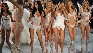 Tülin Şahin  Victoria's Secret Fashion Showda