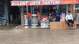 Mersin'de dolu ve şiddetli yağış etkili oldu