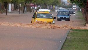 Mersinde dolu ve şiddetli yağış etkili oldu (2)