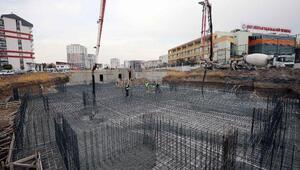 Başkan Yaşar, 2 bin kişilik caminin temelini attı