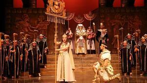 AIDA operasının gündüz gösterimi