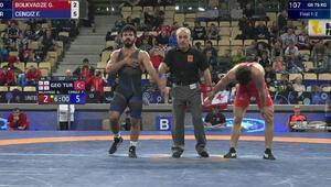 Kayseri Şekersporlu güreşçi Dünya Şampiyonu oldu